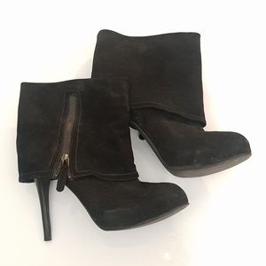 STEVE MADDEN Black Suede Booties size 9M